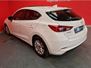 Mazda MAZDA3 2.0 Individual 5-Door automatic - Image 4