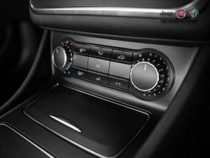 Mercedes-Benz GLA 200 automatic - Image 11