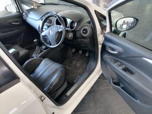 Fiat Punto 1.4T Lounge Multi AIR - Image 13