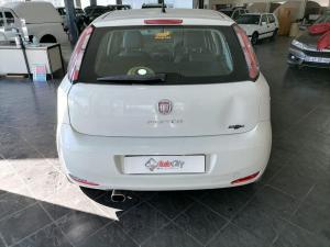 Fiat Punto 1.4T Lounge Multi AIR - Image 5