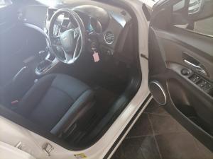 Chevrolet Cruze 1.6 LS 5-Door - Image 14