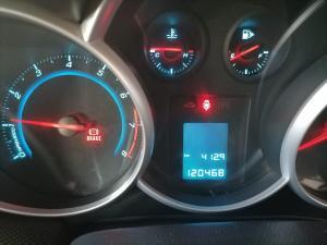 Chevrolet Cruze 1.6 LS 5-Door - Image 2