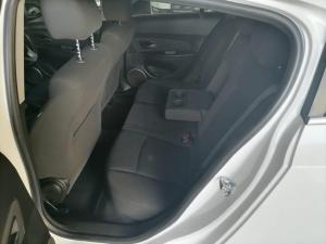 Chevrolet Cruze 1.6 LS 5-Door - Image 5