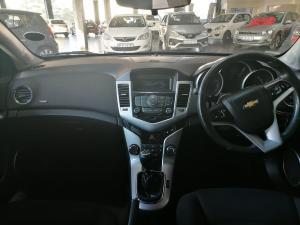 Chevrolet Cruze 1.6 LS 5-Door - Image 8