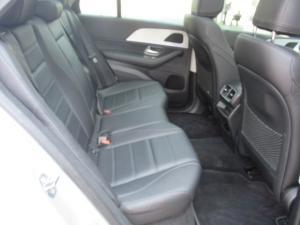 Mercedes-Benz GLE 300d 4MATIC - Image 11