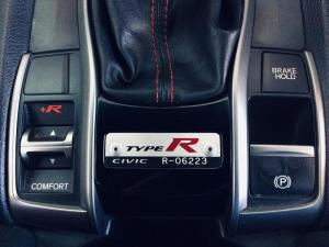 Honda Civic 2.0T Type R - Image 17