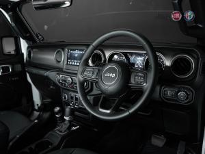 Jeep Wrangler 3.6 Sport automatic 2-Door - Image 6