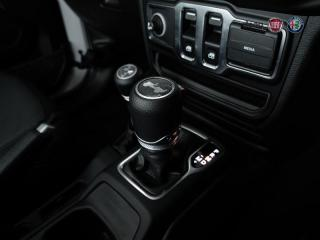 Jeep Wrangler 3.6 Sport automatic 2-Door