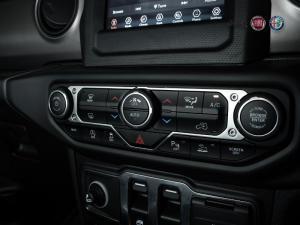 Jeep Wrangler 3.6 Sport automatic 2-Door - Image 8
