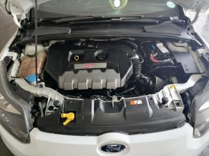 Ford Focus 2.0 Gtdi ST1 - Image 12