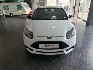Ford Focus 2.0 Gtdi ST1 - Image 2