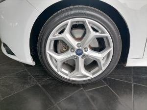 Ford Focus 2.0 Gtdi ST1 - Image 7