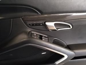 Porsche 911 turbo S coupe - Image 14