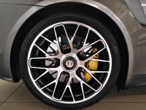 Porsche 911 turbo S coupe - Image 15
