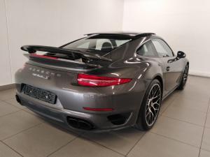 Porsche 911 turbo S coupe - Image 3