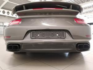 Porsche 911 turbo S coupe - Image 4