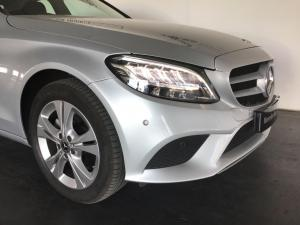 Mercedes-Benz C-Class C180 - Image 3