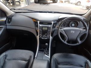 Hyundai Sonata 2.4 GLS Executive - Image 9