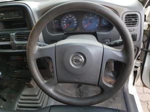 Nissan NP300 Hardbody 2.5TDi - Image 14