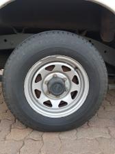 Nissan NP300 Hardbody 2.5TDi - Image 9