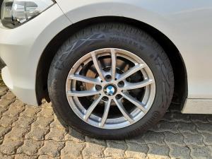 BMW 1 Series 118i 5-door auto - Image 8