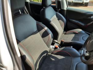 Peugeot 208 5-door 1.6 Allure - Image 11