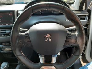 Peugeot 208 5-door 1.6 Allure - Image 12