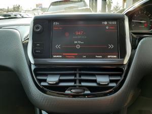 Peugeot 208 5-door 1.6 Allure - Image 16