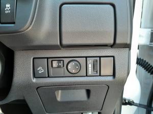Isuzu D-Max 250 double cab X-Rider - Image 18