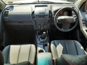 Isuzu D-Max 250 double cab X-Rider - Image 6