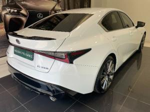 Lexus IS 300h F Sport - Image 2