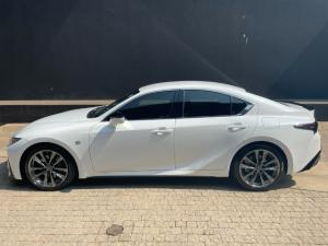 Lexus IS 300h F Sport - Image 4