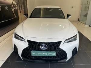 Lexus IS 300h F Sport - Image 9