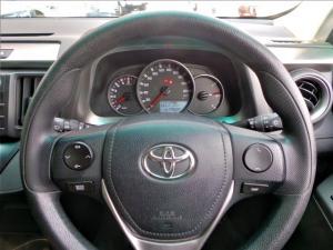 Toyota RAV4 2.2D-4D AWD GX - Image 11