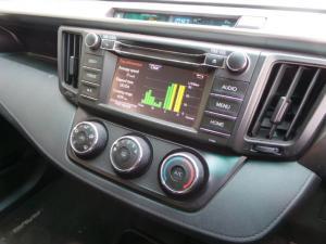 Toyota RAV4 2.2D-4D AWD GX - Image 12