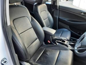 Hyundai Tucson 2.0 Premium auto - Image 11