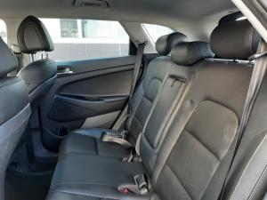 Hyundai Tucson 2.0 Premium auto - Image 8
