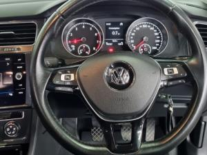 Volkswagen Golf 1.0TSI Comfortline - Image 15