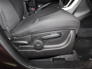 Suzuki SX4 1.6 GL - Image 17