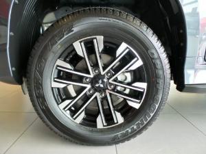 Mitsubishi Pajero Sport 2.4DI-D 4x4 - Image 10