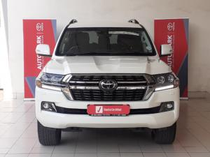 Toyota Land Cruiser 200 4.5D-4D V8 VX-R - Image 2