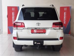 Toyota Land Cruiser 200 4.5D-4D V8 VX-R - Image 3