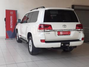 Toyota Land Cruiser 200 4.5D-4D V8 VX-R - Image 6