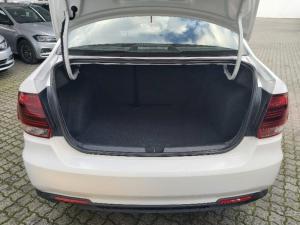 Volkswagen Polo sedan 1.4 Trendline - Image 12
