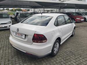 Volkswagen Polo sedan 1.4 Trendline - Image 6
