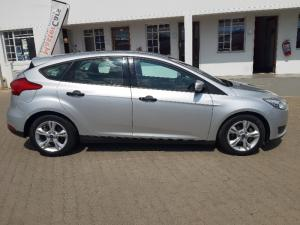 Ford Focus hatch 1.0T Ambiente auto - Image 11