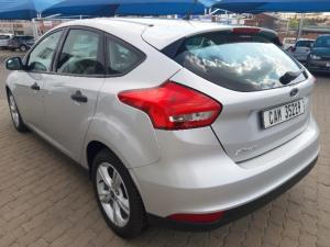 Ford Focus hatch 1.0T Ambiente auto - Image 14