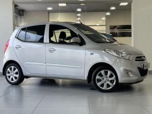 Hyundai i10 1.1 Motion auto - Image 1