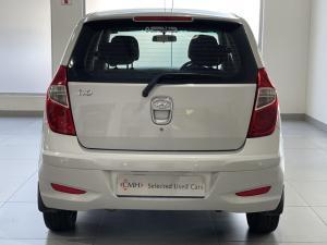 Hyundai i10 1.1 Motion auto - Image 5