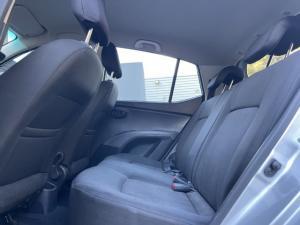 Hyundai i10 1.1 Motion auto - Image 6